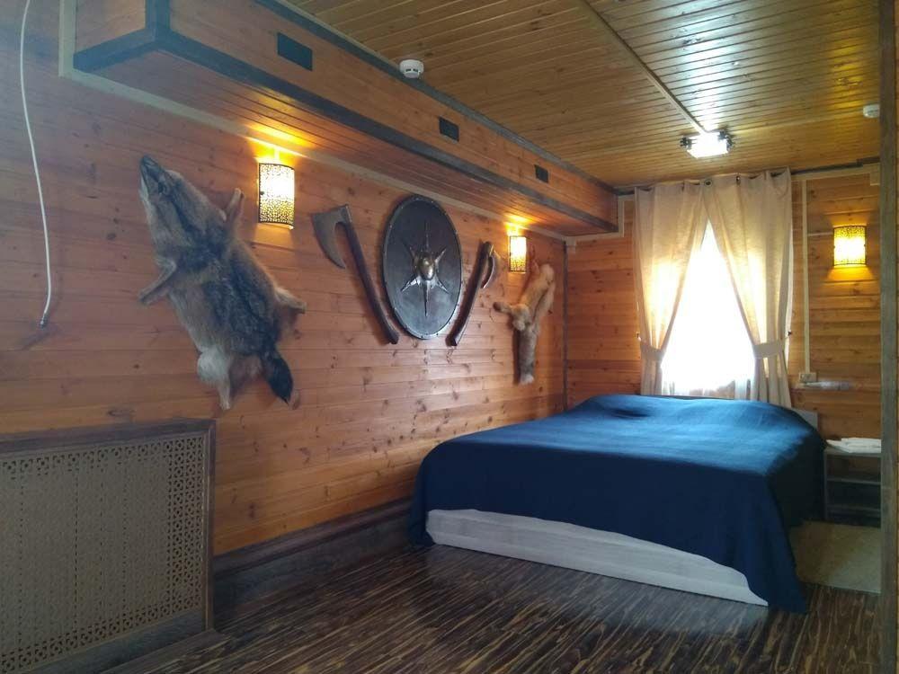 Резиденция Комфорта «Family Fishing» Краснодарский край Номер в охотничьем стиле, фото 1