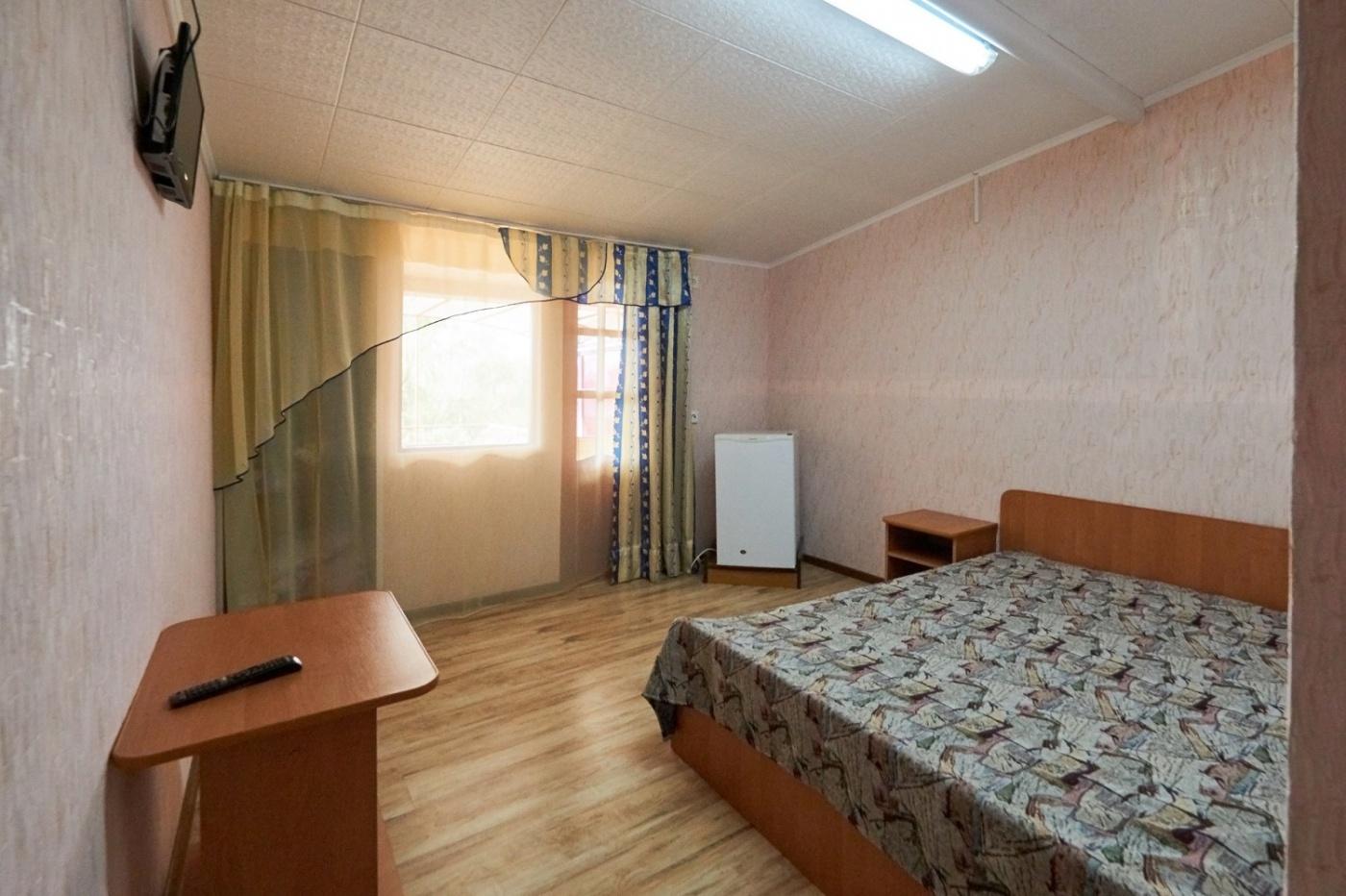 База отдыха «Ока» Краснодарский край Корпус А: 2-местный номер «Стандарт» с балконом, фото 1