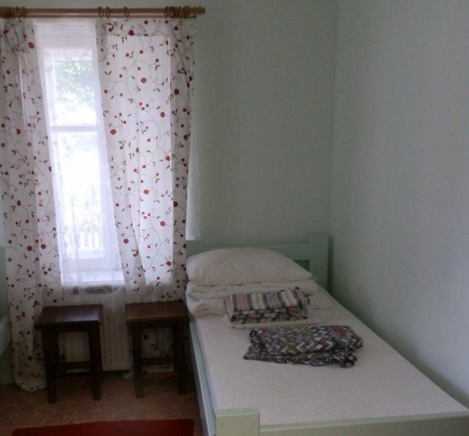 Подворье «Кудеверь» Псковская область 1-местный номер гостиницы «Синий дом» , фото 1