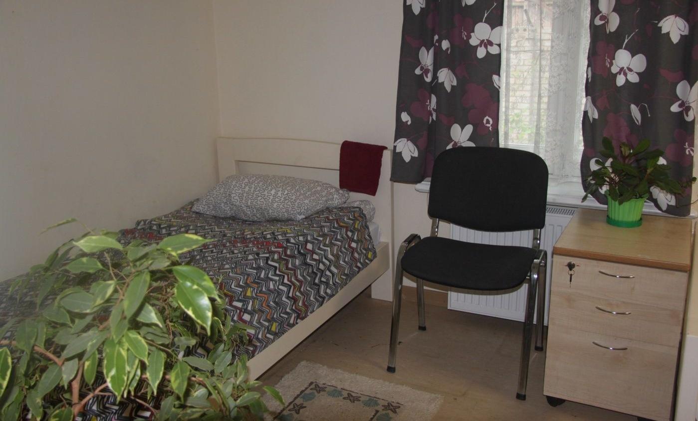 Подворье «Кудеверь» Псковская область 1-местный номер гостиницы «Синий дом» , фото 2