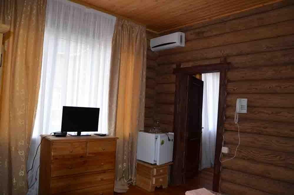 Туристический комплекс «Фрегат» Астраханская область Номер «Стандарт» в срубе, фото 9