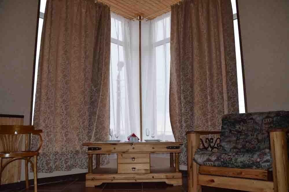 Туристический комплекс «Фрегат» Астраханская область Номер «Полулюкс»/ «Джуниор сюит», фото 5