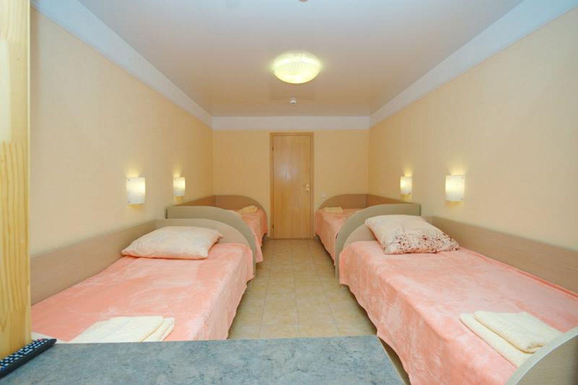 База отдыха «Уютная» Ульяновская область 4-х местный номер, фото 1