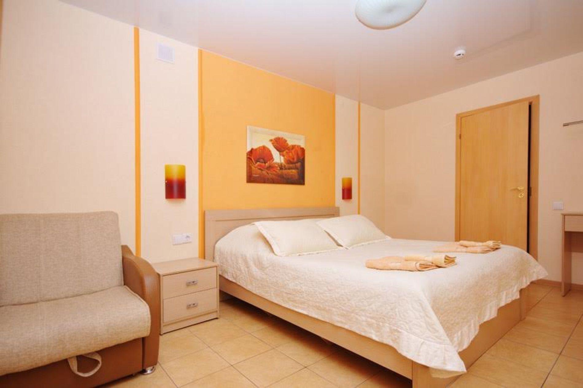 База отдыха «Уютная» Ульяновская область 2-х местный номер с креслом, фото 2