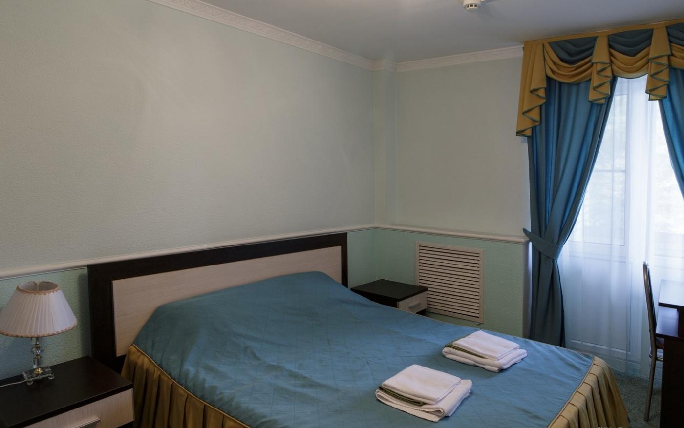 База отдыха «Боровое» Московская область 2-местный 2-комнатный номер повышенной комфортности, фото 1
