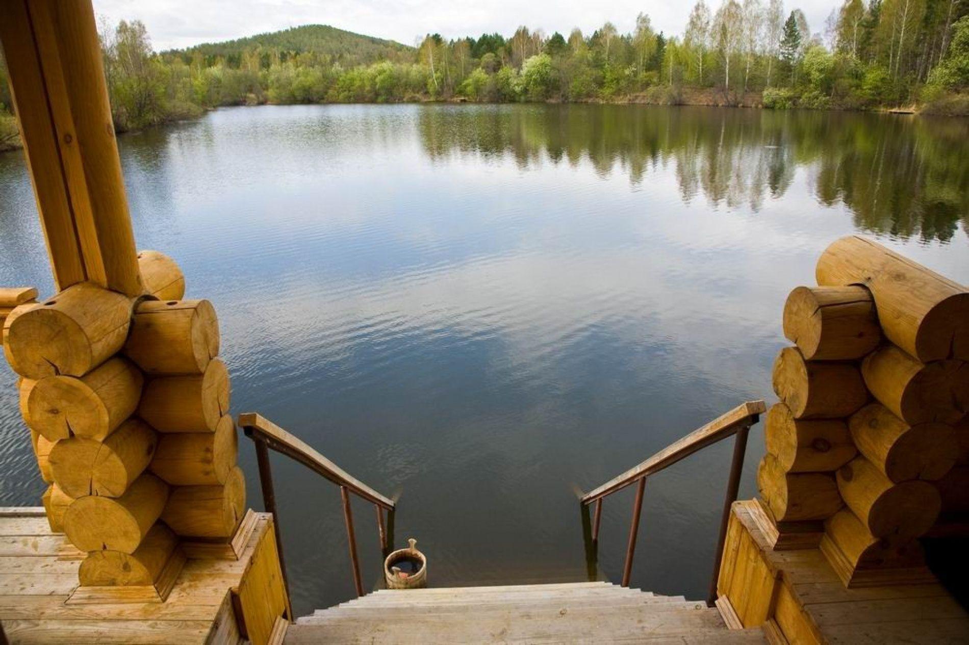 Баня на реке