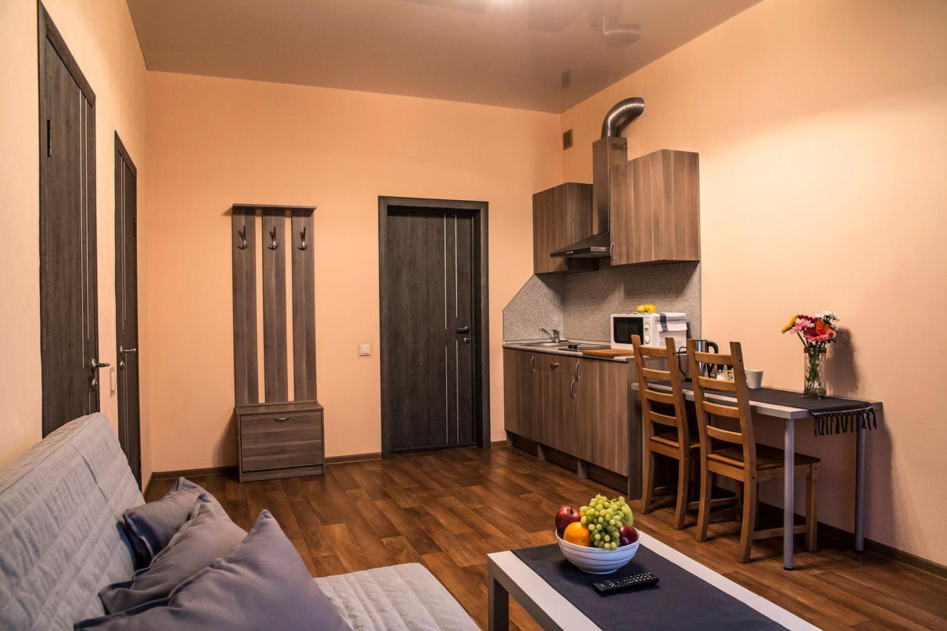 """Парк-отель """"Три Кота"""" Самарская область С кухнейи двумя кроватями, фото 1"""