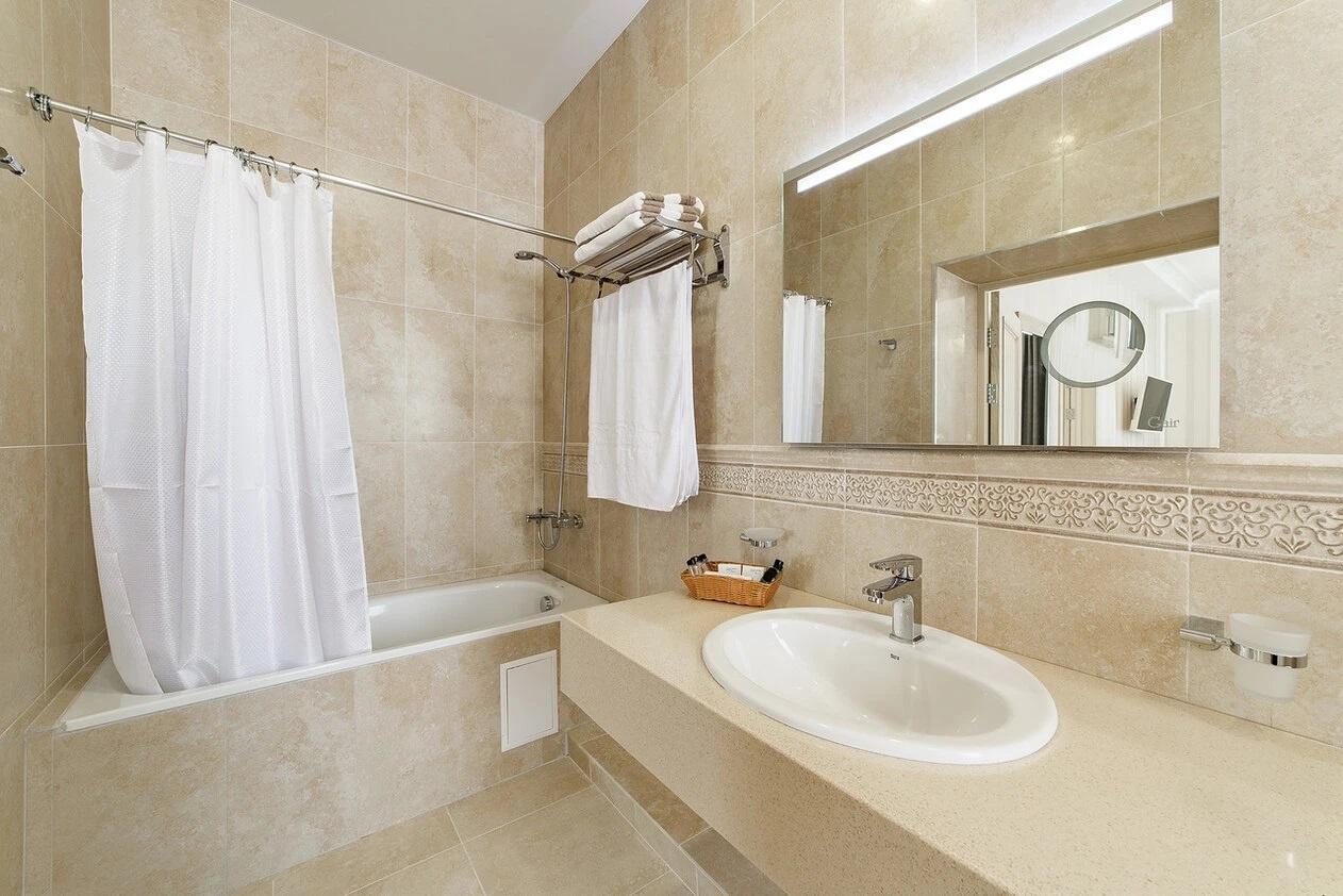 Отель «Alean Family Hotel Usadba 4*» Краснодарский край Люкс 2-комнатный , фото 5