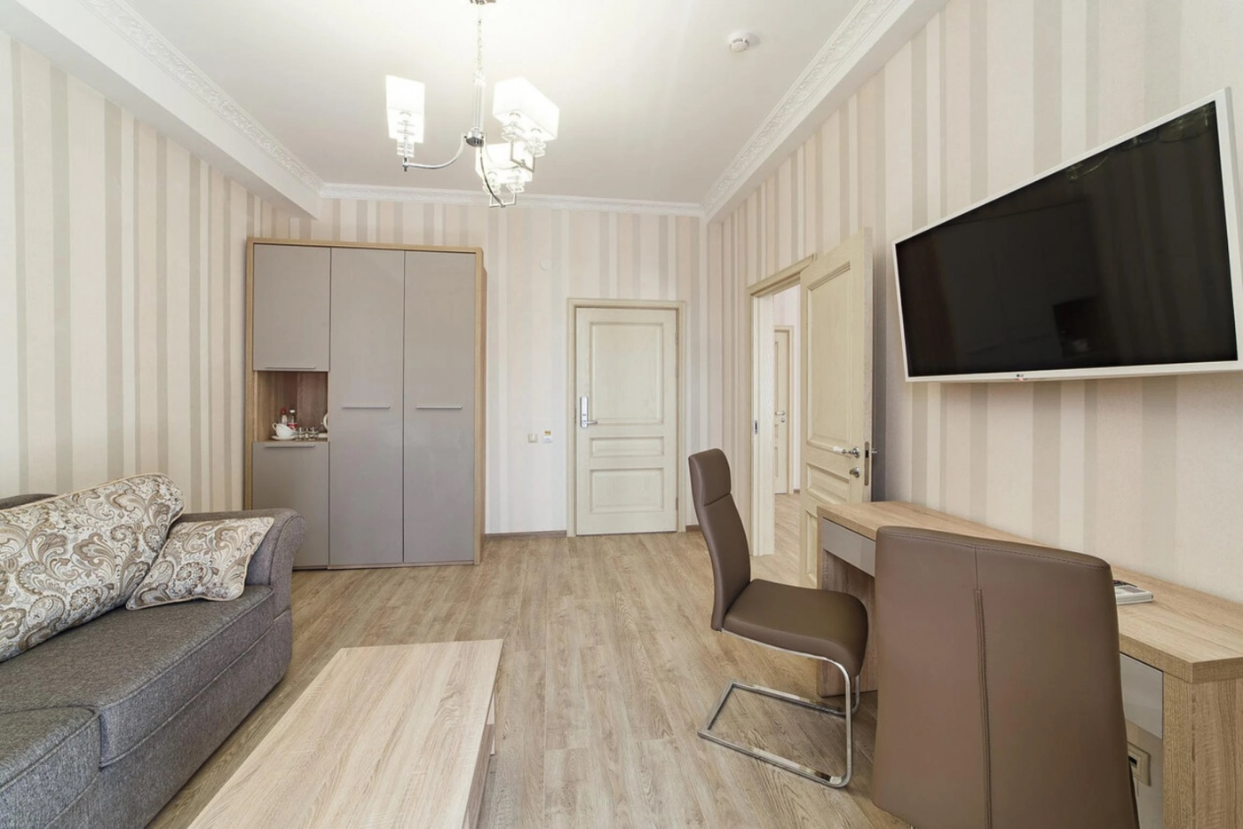 Отель «Alean Family Hotel Usadba 4*» Краснодарский край Люкс 2-комнатный , фото 3