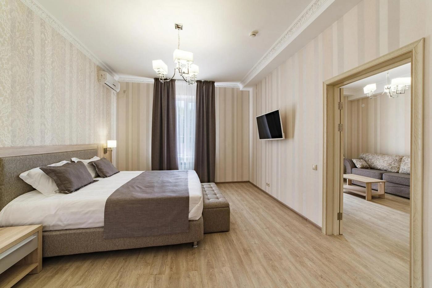 Отель «Alean Family Hotel Usadba 4*» Краснодарский край Люкс 2-комнатный , фото 1