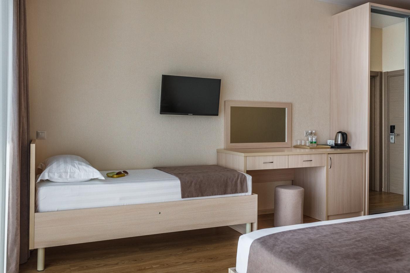 Отель «ДельМарИнн» Краснодарский край 3-местный номер, фото 3