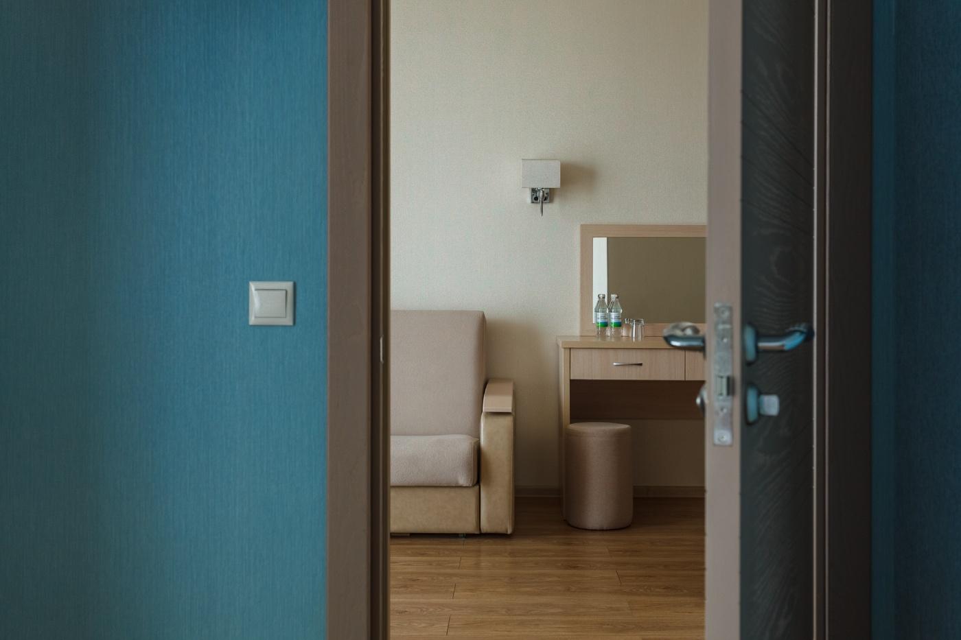Отель «ДельМарИнн» Краснодарский край Люкс 2-комнатный , фото 3