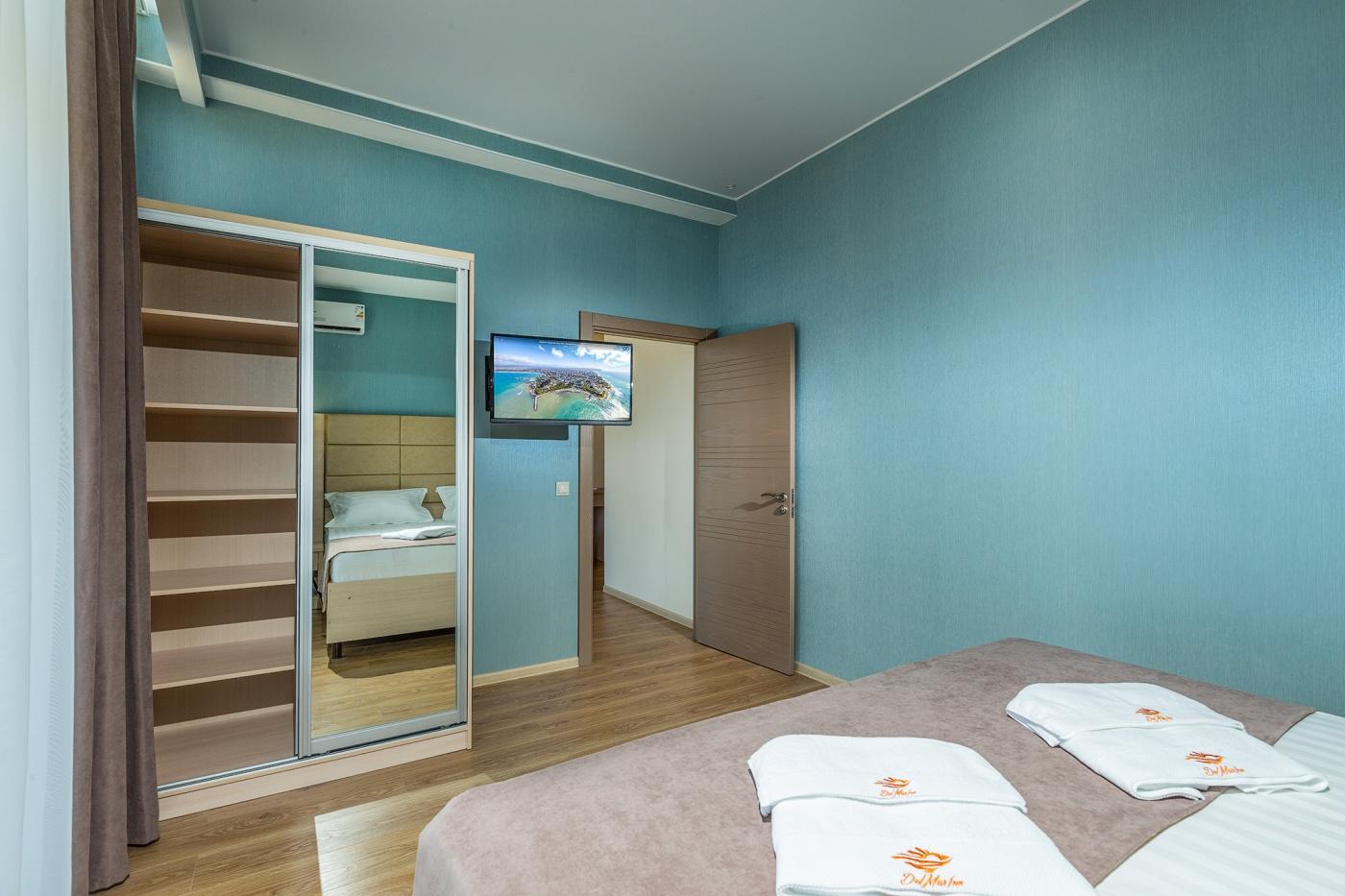 Отель «ДельМарИнн» Краснодарский край Люкс 2-комнатный , фото 2