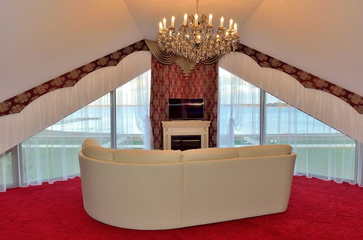 Загородный отель «Лесное озеро» Псковская область Opera House , фото 8