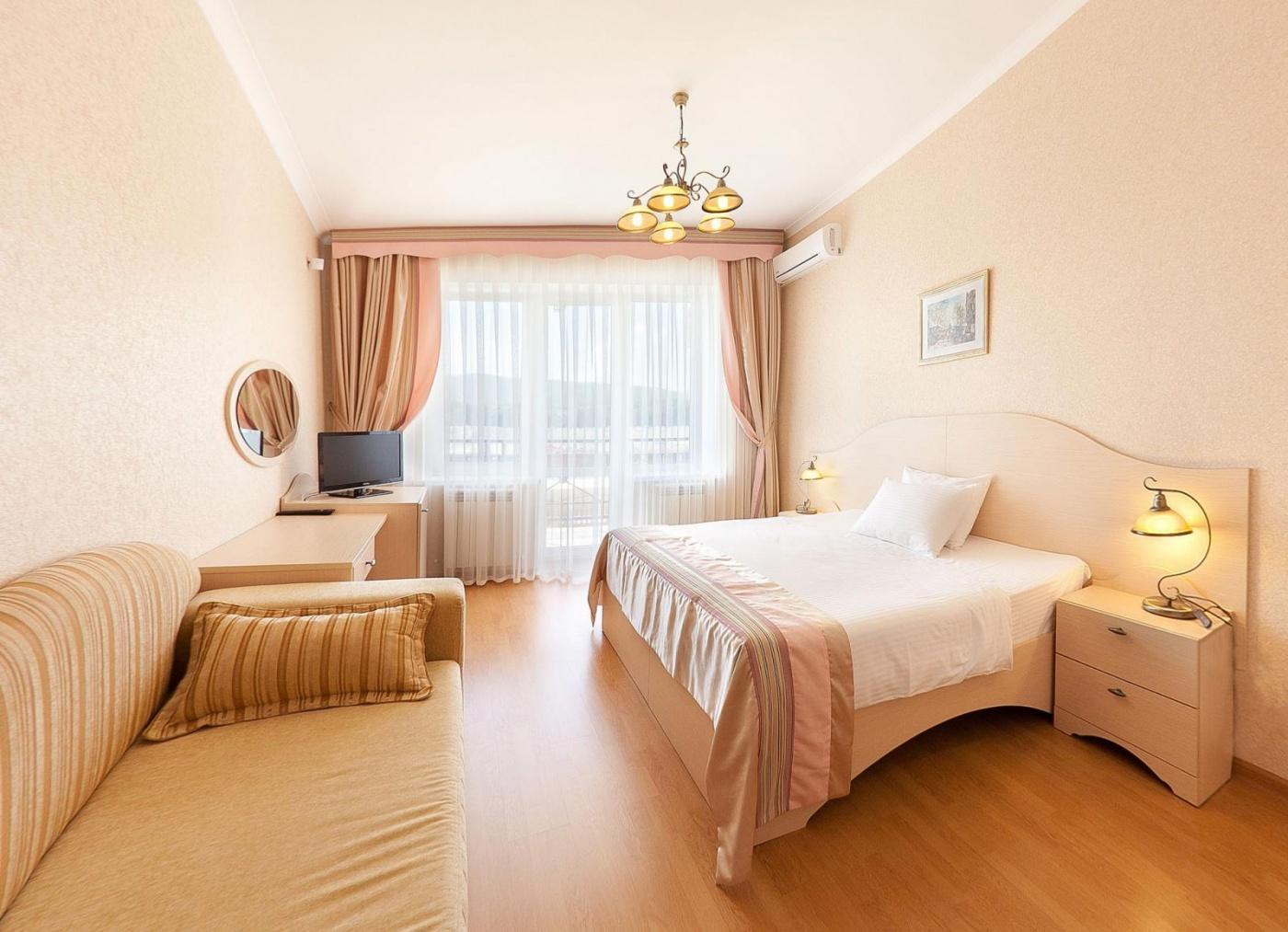 Отель «Бонжур» Краснодарский край Стандарт 2-местный, фото 1