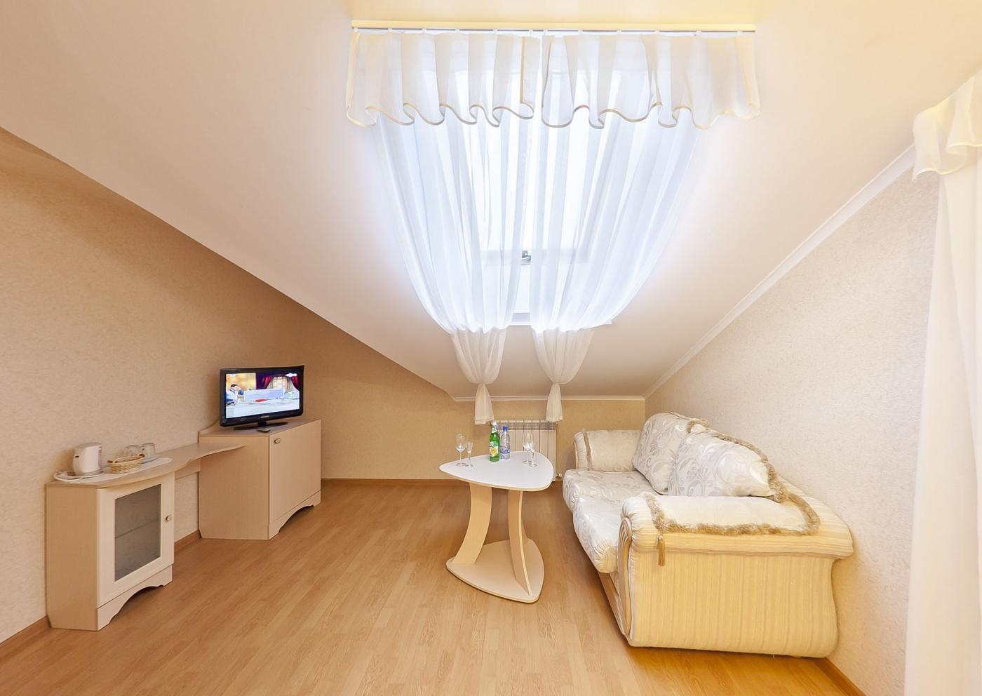 Отель «Бонжур» Краснодарский край Студия малая 2-местная, фото 3