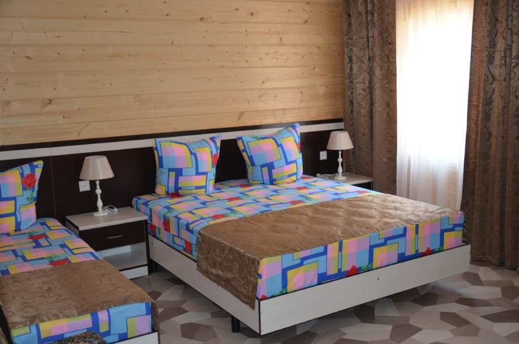 Экопарк отель «Sunrise» Краснодарский край Улучшенный 3-местный, фото 1