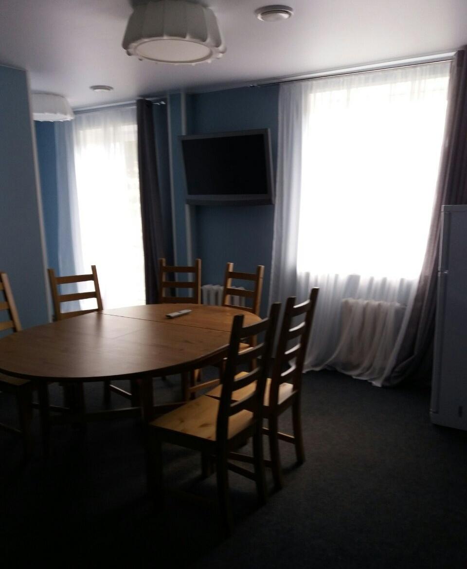 База отдыха «Баден-Баден Лесная сказка» Челябинская область Номер «Апартаменты» с кухней и столовой, фото 2