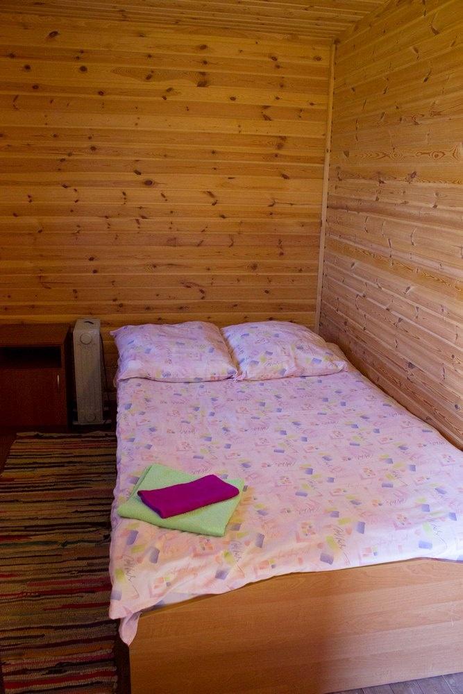 База отдыха «Чистые Пруды» Псковская область Домик «Стандарт», фото 2