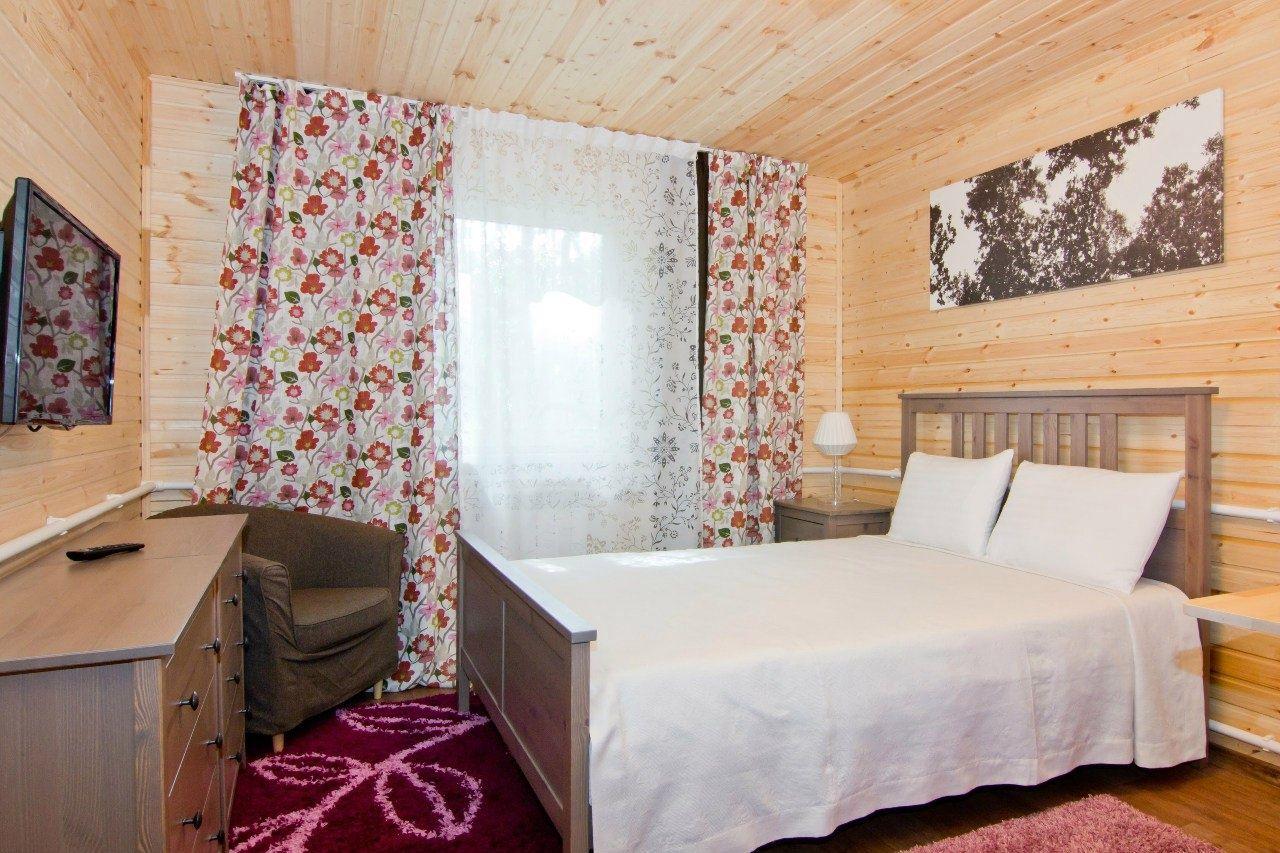 Клуб загороного отдыха «Лесное поместье» Челябинская область Улучшенный номер, фото 1