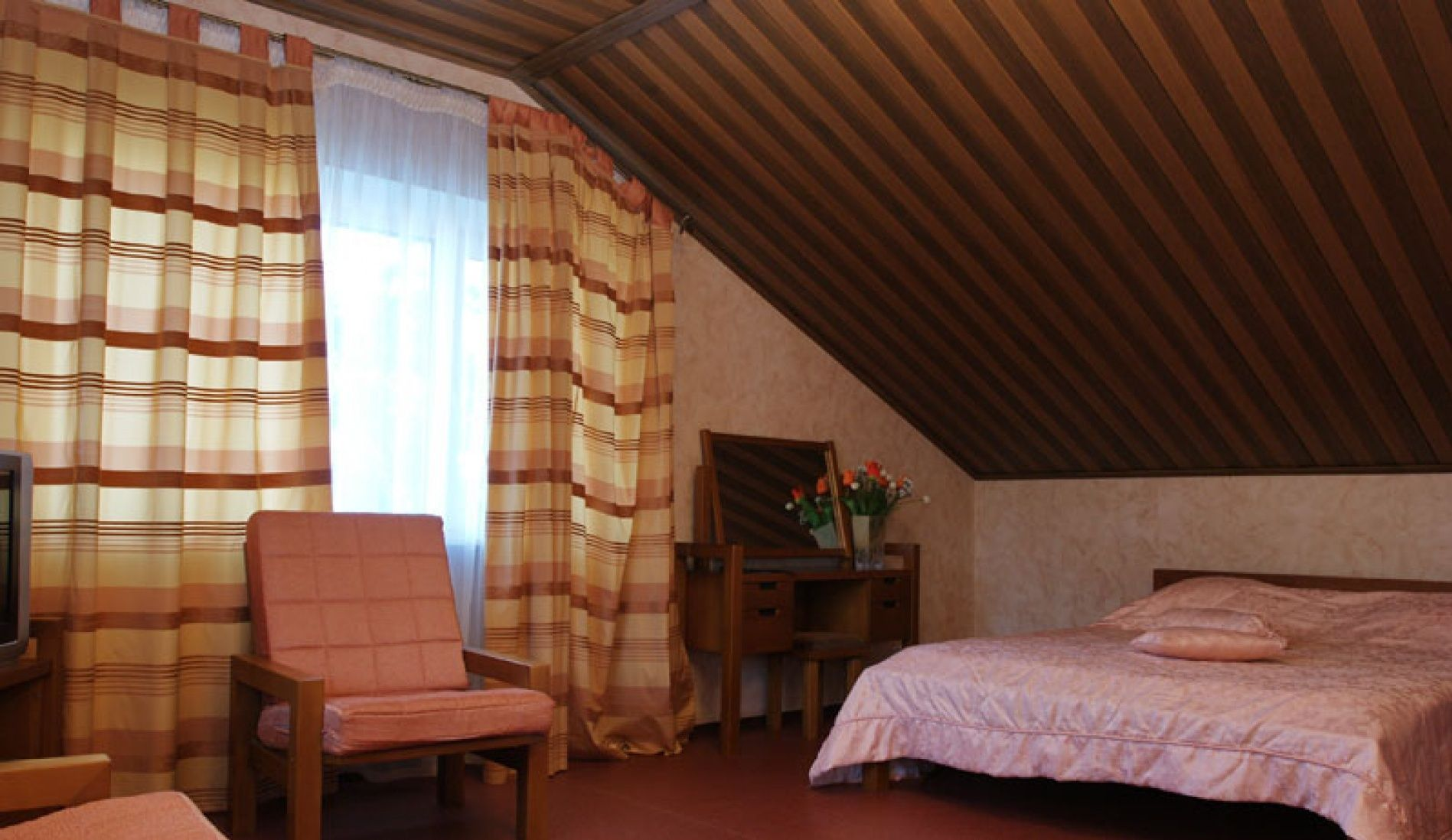 """Загородный гостиничный комплекс """"Орбита"""" Самарская область Однокомнатный 2-х местный номер в гостинице, фото 3"""