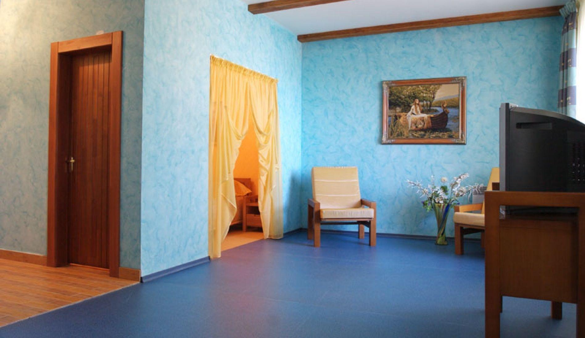 """Загородный гостиничный комплекс """"Орбита"""" Самарская область Двухкомнатный 4-х местный номер в гостинице, фото 2"""