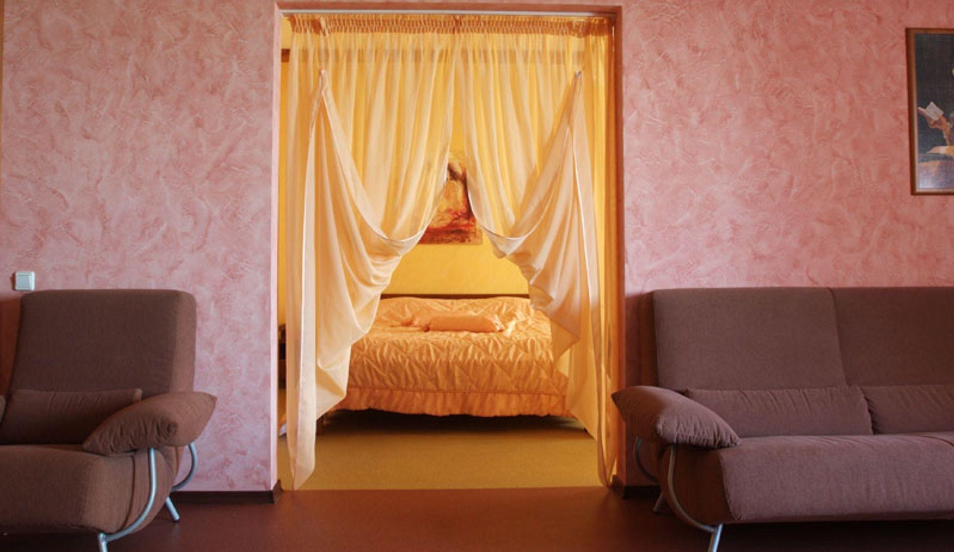 """Загородный гостиничный комплекс """"Орбита"""" Самарская область Двухкомнатный 4-х местный номер в гостинице, фото 4"""