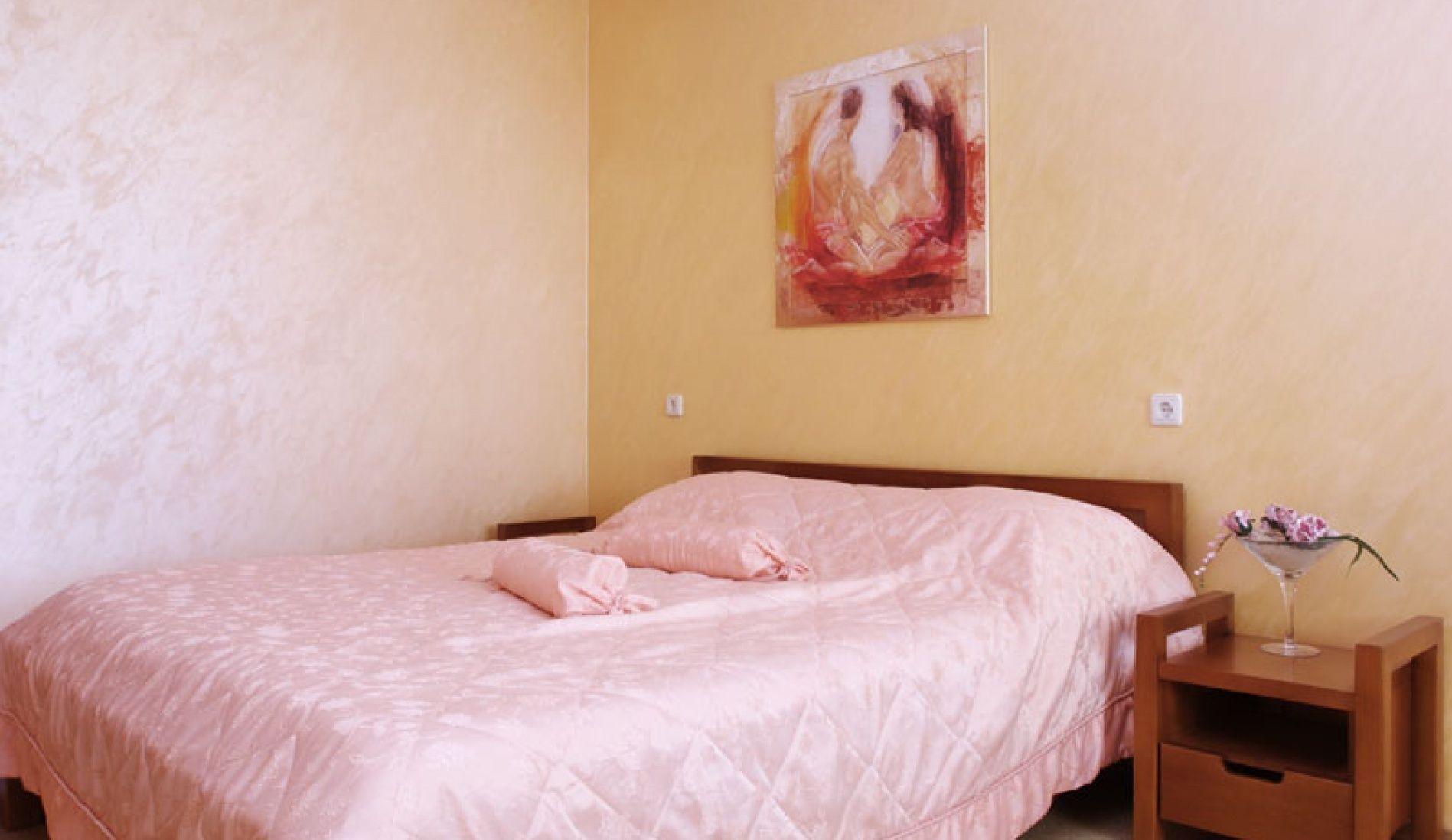 """Загородный гостиничный комплекс """"Орбита"""" Самарская область Двухкомнатный 4-х местный номер в гостинице, фото 1"""
