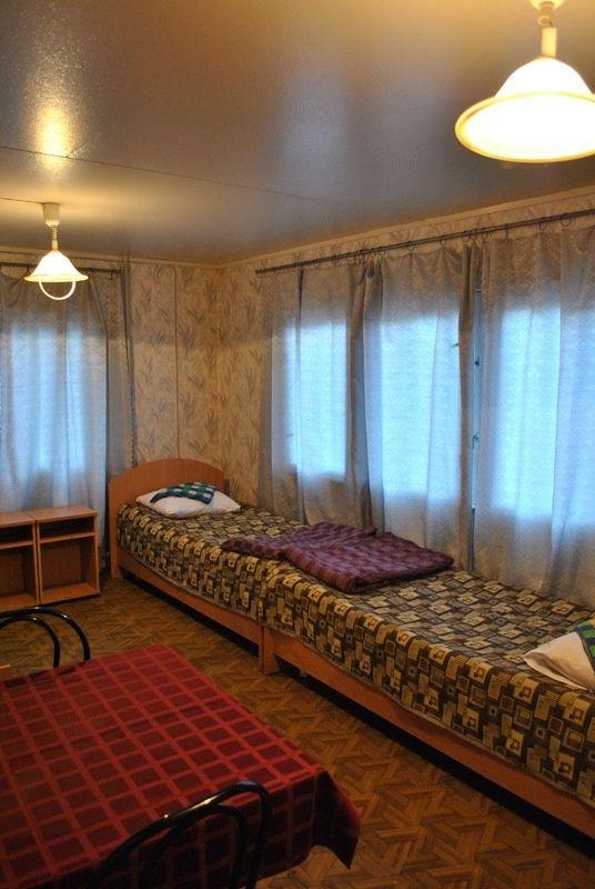 База отдыха «Манола» Ленинградская область 4-местный номер в коттедже, фото 1