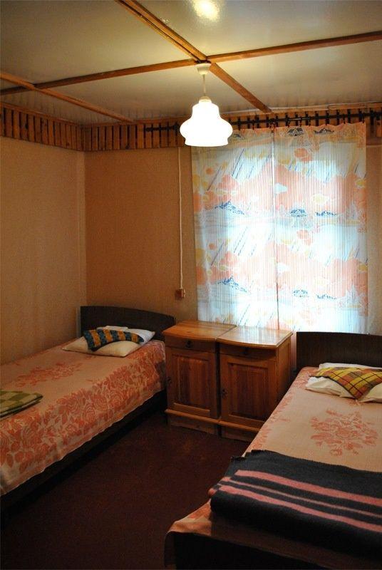 База отдыха «Манола» Ленинградская область 2-местный номер в дачном доме с частичными удобствами, фото 1