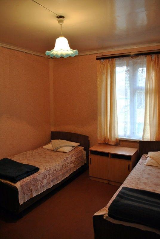 База отдыха «Манола» Ленинградская область 3-местный номер в дачном доме с частичными удобствами, фото 1