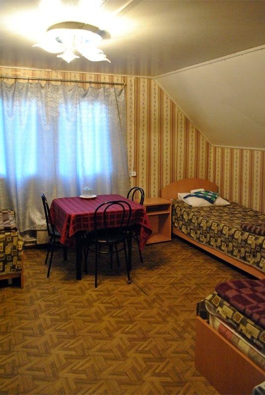 База отдыха «Манола» Ленинградская область 3-местный номер в коттедже, фото 1