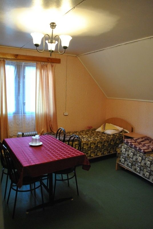 База отдыха «Манола» Ленинградская область 3-местный номер в коттедже, фото 2