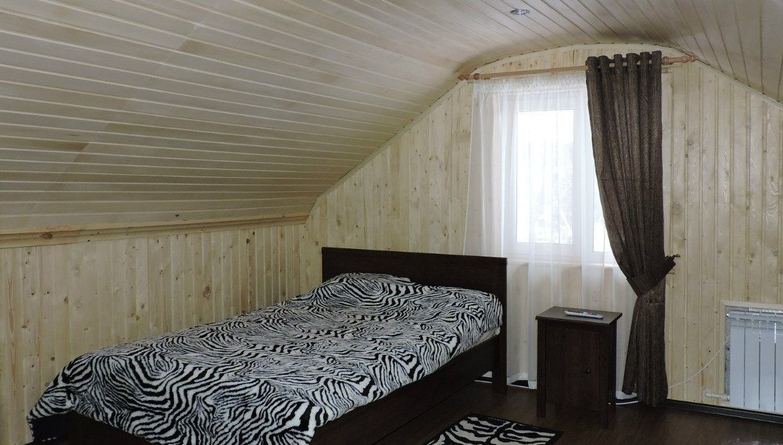 Туристический комплекс «Камские дали» Удмуртская Республика Номер «Люкс» в гостинице «Теремок», фото 1