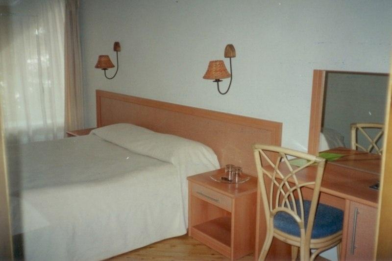 Загородный отель «Тирс» Тверская область 3-комнатный 4-местный номер с видом на реку (D1, D4), фото 2