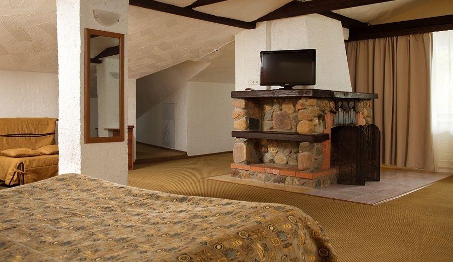 """Парк-отель """"Country Resort"""" Московская область Люкс 6-и местный с камином, фото 2"""