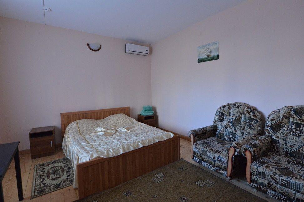 """База отдыха """"Аква-Вита"""" Краснодарский край 2-комнатный номер """"стандарт"""" (4 спальных места) , фото 1"""