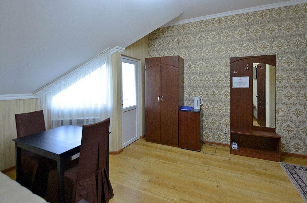 """База отдыха """"Аква-Вита"""" Краснодарский край 3-комнатный номер """"повышенной комфортности"""" (4 спальных места), фото 4"""