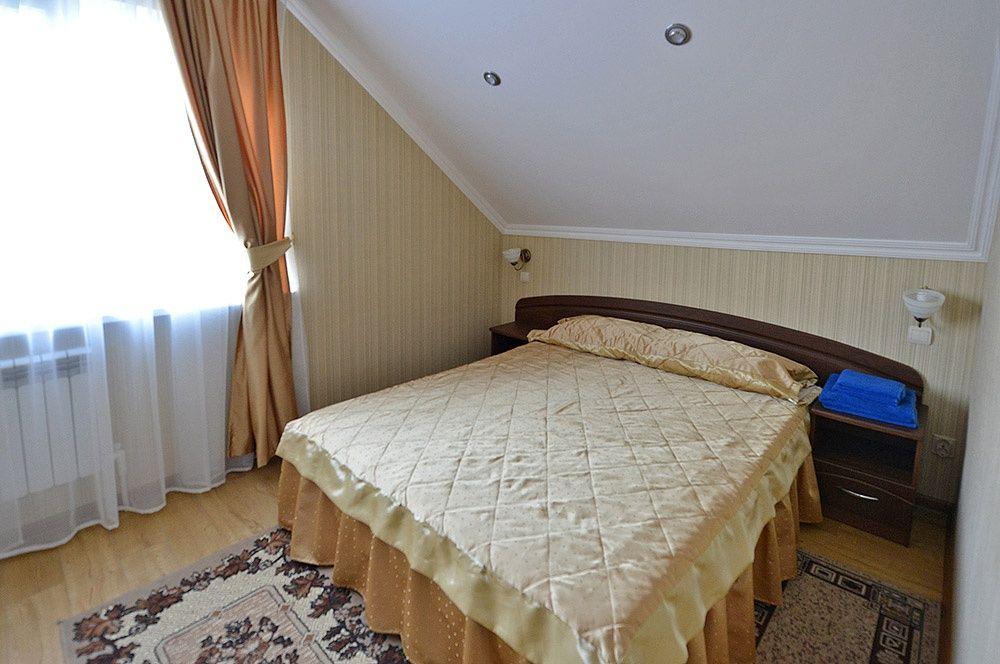 """База отдыха """"Аква-Вита"""" Краснодарский край 3-комнатный номер """"повышенной комфортности"""" (4 спальных места), фото 1"""