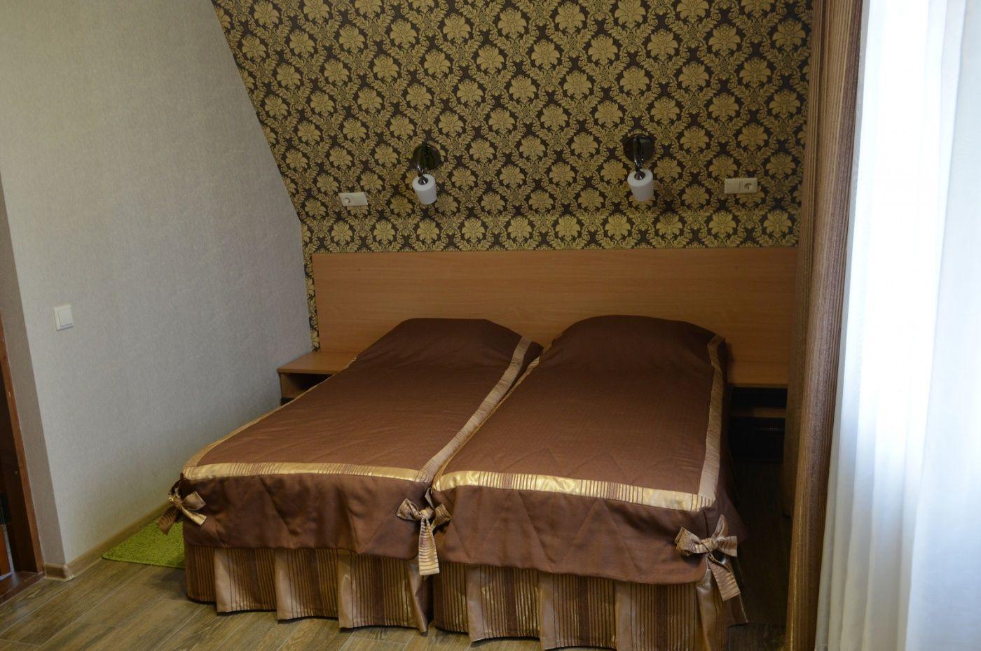 """База отдыха """"Аква-Вита"""" Краснодарский край 2-комнатный номер """"повышенной комфортности"""" (2 спальных места), фото 1"""