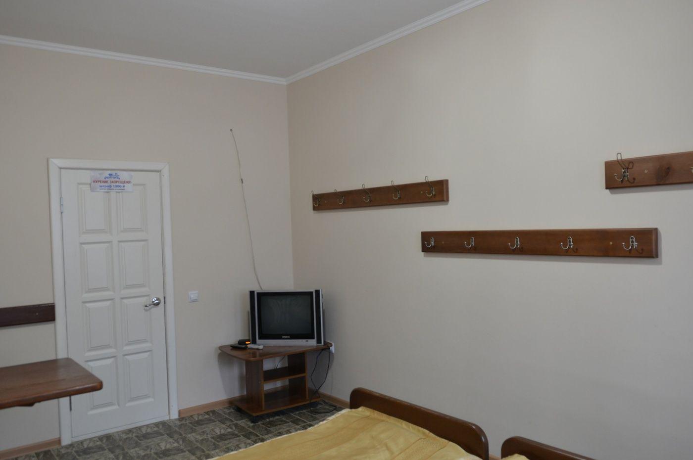 "База отдыха ""Аква-Вита"" Краснодарский край 1-комнатный номер ""эконом"", фото 5"