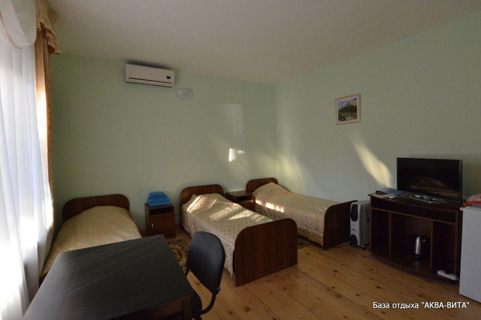 """База отдыха """"Аква-Вита"""" Краснодарский край 1-комнатный номер """"стандарт"""" (3 спальных места), фото 1"""