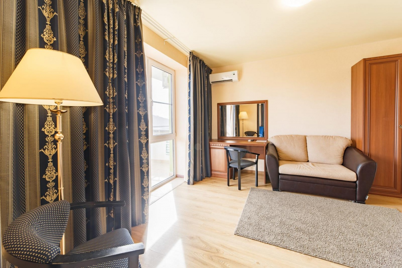 Отель «Relax» Краснодарский край Lux 2-комнатный, фото 4