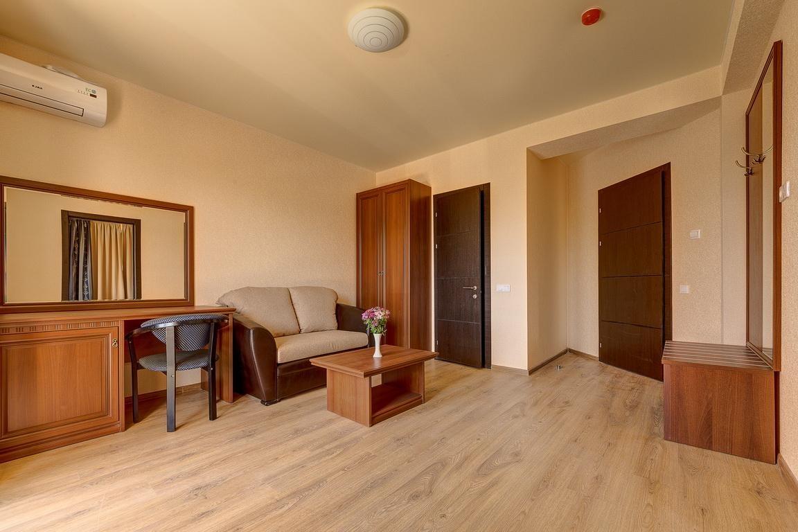 Отель «Relax» Краснодарский край Lux 2-комнатный, фото 5