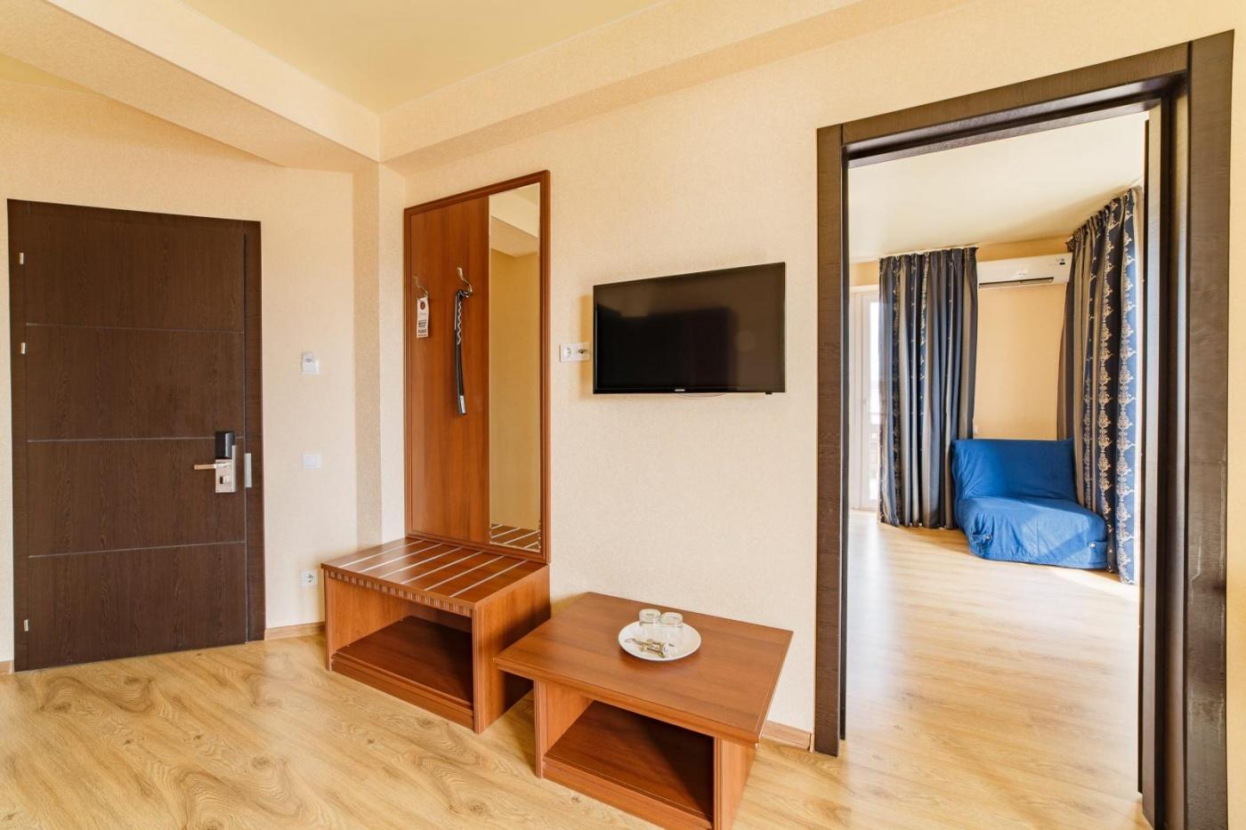 Отель «Relax» Краснодарский край Lux 2-комнатный, фото 6