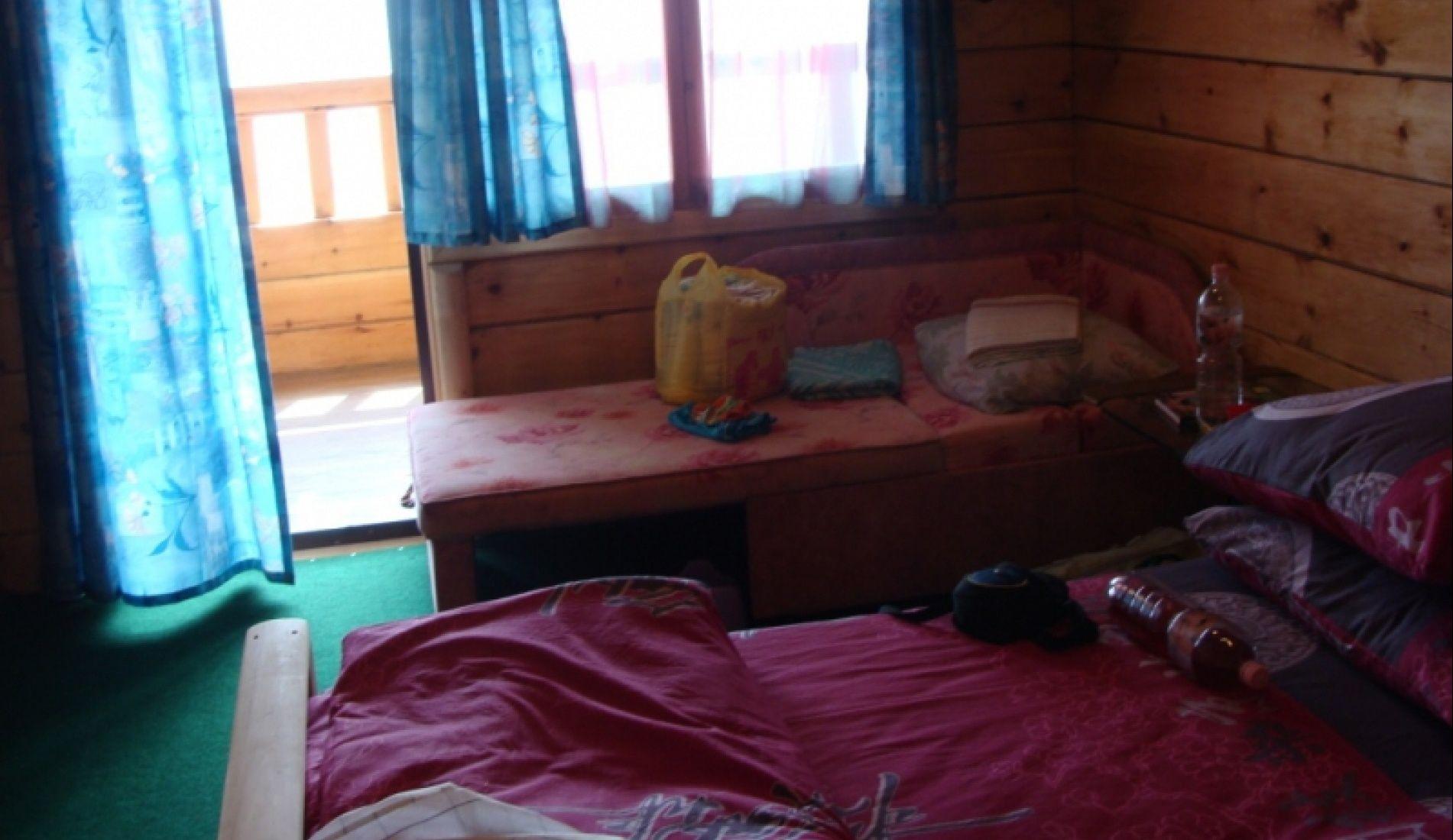 "База отдыха ""Маяк"" Приморский край 3-х местная комната в 2-х этажном доме, фото 1"