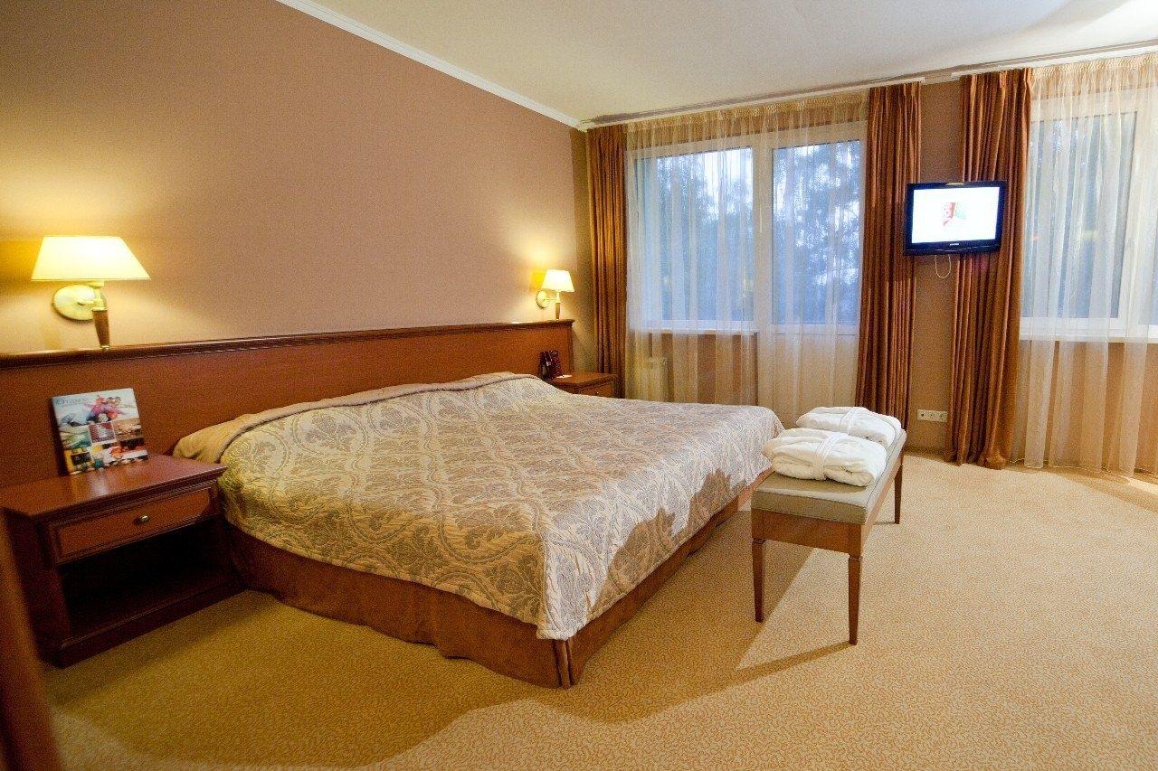 Загородный отель «Авантель Клаб Истра» Московская область Номер «Люкс» 2-комнатный в корпусе «Прибрежный», фото 1