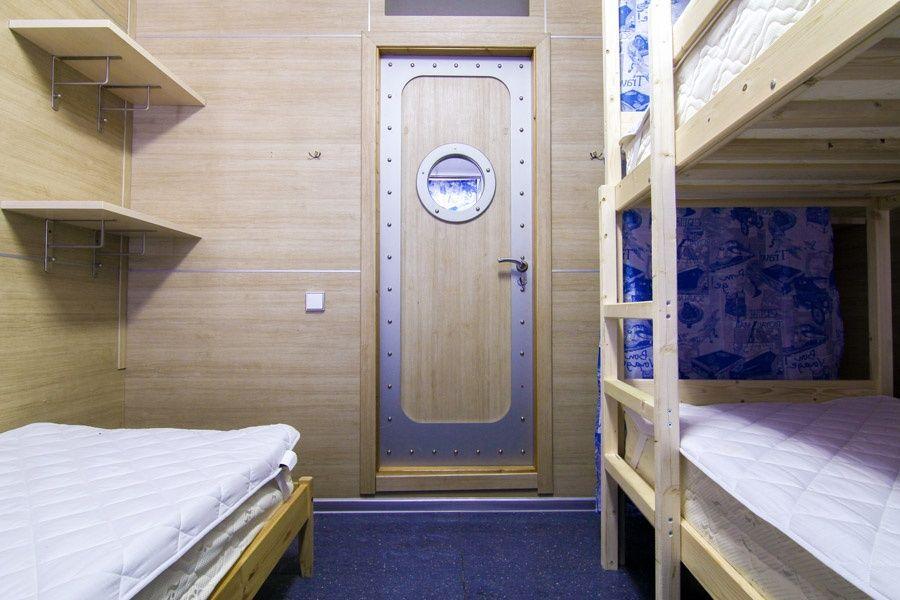 Хостел «Круиз» Калужская область Спальное место в общей каюте, фото 2
