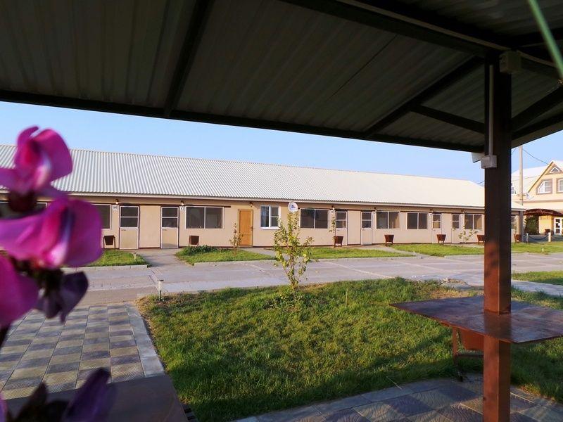 База отдыха «Золотые барханы» Астраханская область 2-местный номер повышенной комфортности (3 линия), фото 1