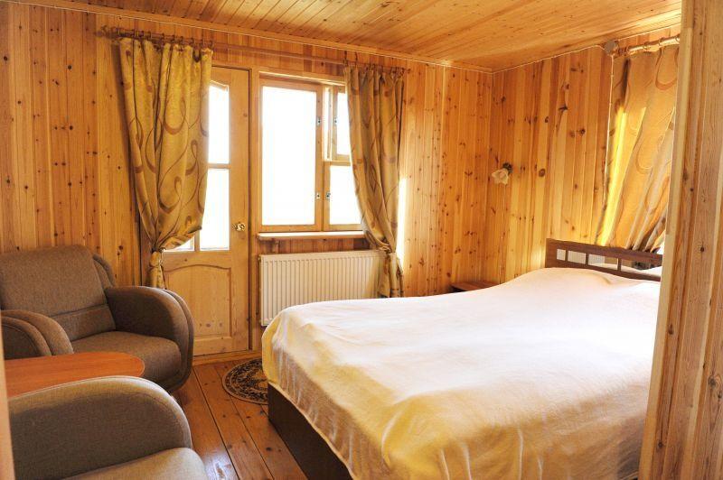 Конный двор «Струги» Ленинградская область 2-местный номер в трехэтажном коттедже, фото 1